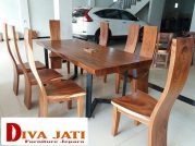 Meja Makan Kayu Trembesi Tangerang Model 8 Kursi