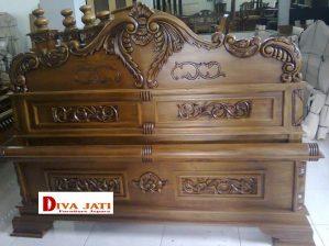 Dipan Kamar Set Malang kayu Jati Model Peluru