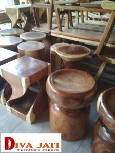 Kursi Cafe Stool Bandung Kayu Trembesi Unik