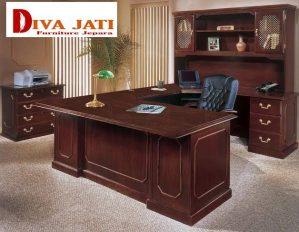 Meja Kantor Direktur Malang Minimalis Kayu Jati