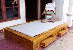 Tempat Tidur Laci Surabaya Minimalis Kayu Jati