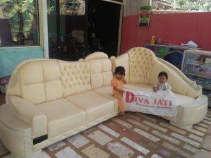 Kursi Tamu Sudut Putih Model Sofa Minimalis