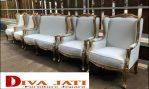 Kursi Pengantin Jakarta Minimalis Kombinasi Putih Gold