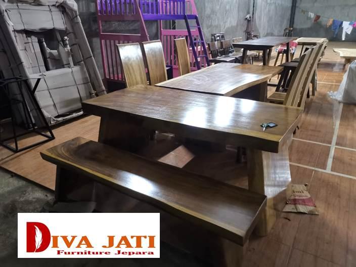 meja makan kayu alami trembesi utuh